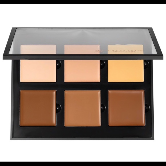 Anastasia Beverly Hills Other - Anastasia Beverly Hills Cream Contour Kit MEDIUM